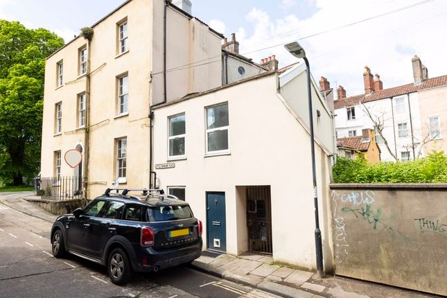 Thumbnail Cottage for sale in Little Caroline Place, Bristol