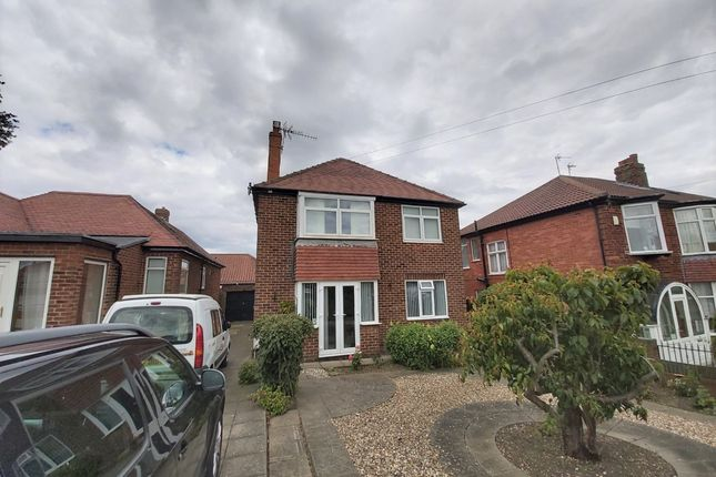 Thumbnail Flat for sale in Fortyfoot, Bridlington