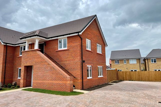 2 bed flat for sale in Barwell Close, Swavesey, Cambridge CB24