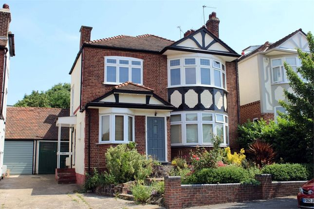 Thumbnail Flat for sale in Grove Avenue, Muswell Hill, London
