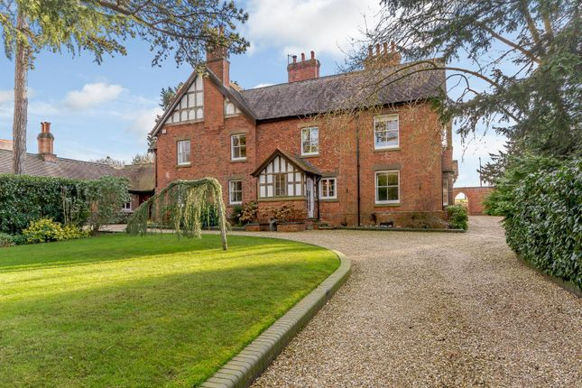 Thumbnail Detached house for sale in Brown Heath Lane, Droitwich Spa, Worcestershire