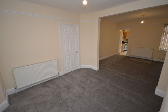 Thumbnail Property to rent in York Road, Swindon