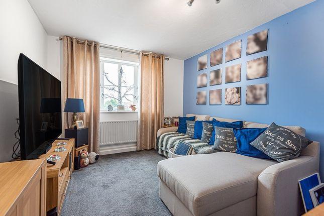 2 bed flat for sale in Teale House, Hoddesdon, Hertfordshire EN11