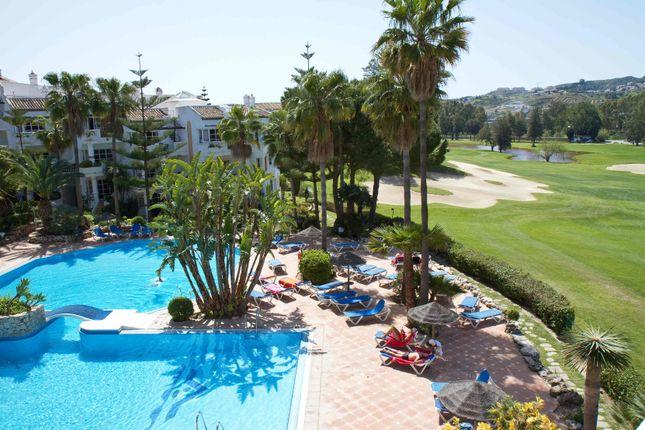 Pool & Golf Views