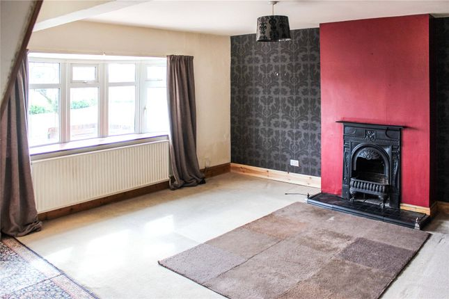 Lounge of Mortimer Way, Leicester LE3