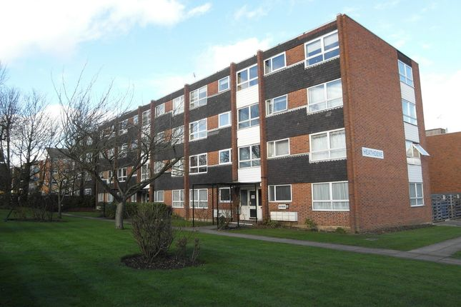 Thumbnail Flat to rent in Heathdene, Chase Side, Southgate