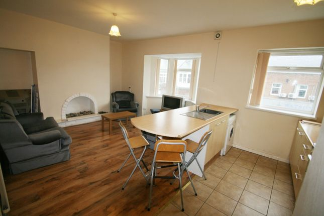 3 bed maisonette to rent in Fowler Street, South Shields