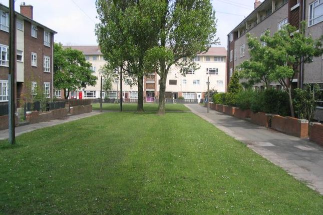 Thumbnail Flat to rent in Halewood Road, Liverpool