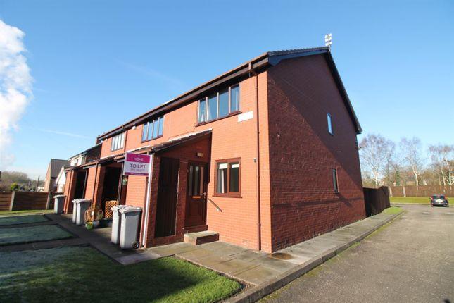 Thumbnail Flat to rent in Roslyn Avenue, Flixton, Urmston, Manchester