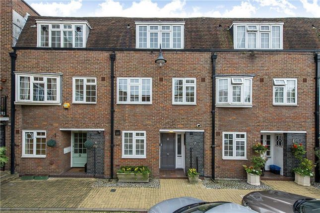 Thumbnail Mews house for sale in Browning Close, London