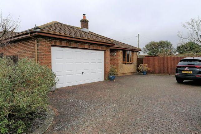 Thumbnail Detached bungalow to rent in Main Road, Newbridge, Yarmouth