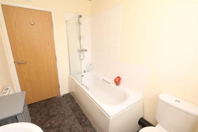 Bathroom of Taylor Road, Bradford BD6