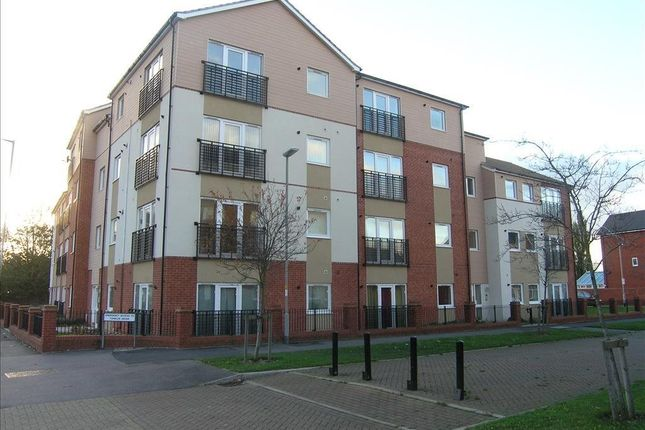 2 bed flat to rent in Tumbler Grove, Wolverhampton