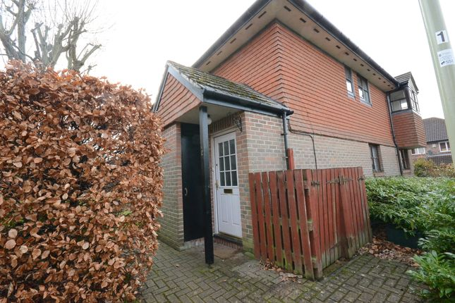 Thumbnail Maisonette to rent in Annettes Croft, Church Crookham, Fleet