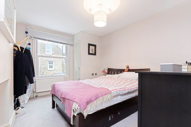 Picture No. 09 of Cathles Road, First Floor Flat, Clapham South, London SW12