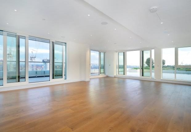 Thumbnail Flat for sale in Sopwith Way, London