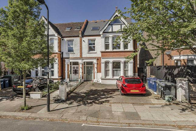 1 bed flat for sale in Chatsworth Gardens, London