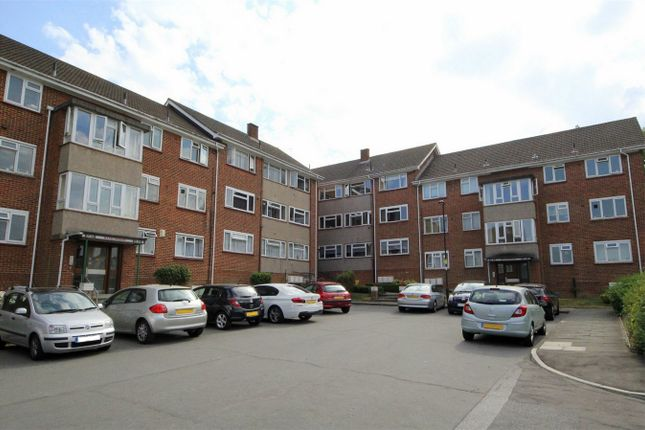 Thumbnail Flat for sale in 22 Meadowbank, Eversley Park Road, London