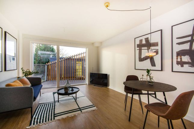 Thumbnail Flat for sale in Cargreen Road, South Norwood