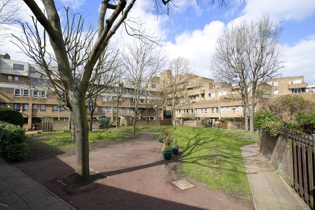 Ext Hi Res of Burr Close, St Katharines Way, London E1W