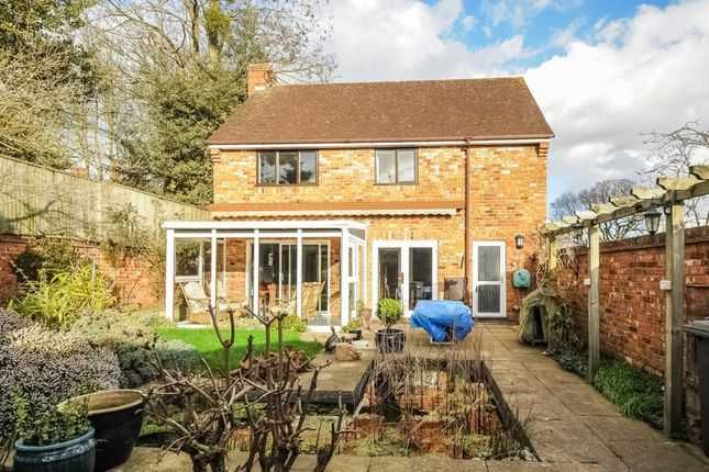 Thumbnail Detached house to rent in Woodcote, Maidenhead