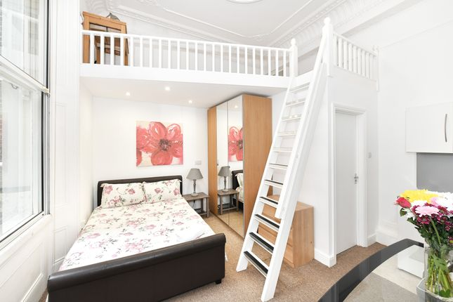 Studio to rent in Cromwell Road, London SW7