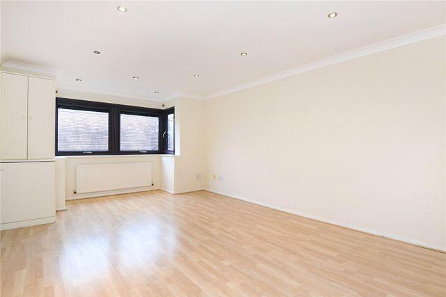 Thumbnail Flat to rent in Denly Way, Lightwater, Surrey