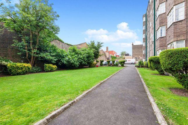 Communal Gardens of Corner Fielde, Streatham SW2