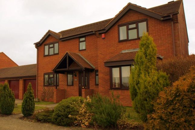 Thumbnail Property to rent in Lynmouth Crescent, Furzton Lake, Milton Keynes