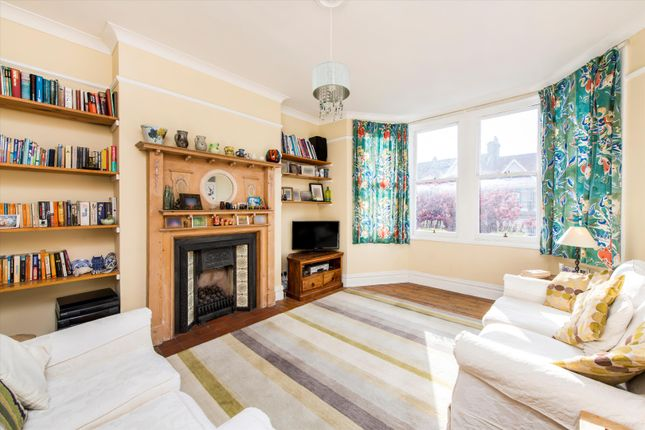 5 bed flat for sale in Monson Road, Kensal Green, London NW10