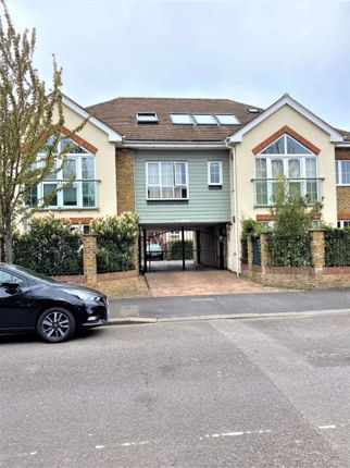 2 bed flat for sale in Hearn Road, Romford RM1