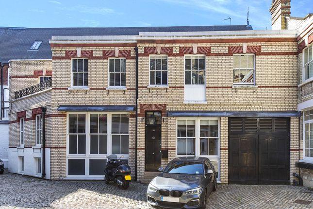 Thumbnail Mews house for sale in Grosvenor Gardens Mews South, Belgravia, London