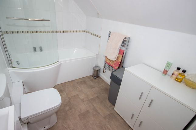 Bathroom of Alverstone Road, East Cowes PO32