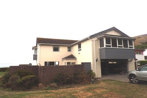 Thumbnail Property to rent in Craigside Drive, Llandudno