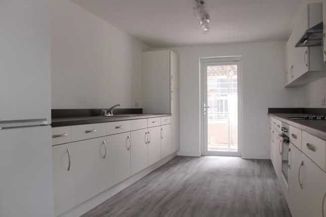 Thumbnail Flat to rent in Merlin Crescent, Edinburgh