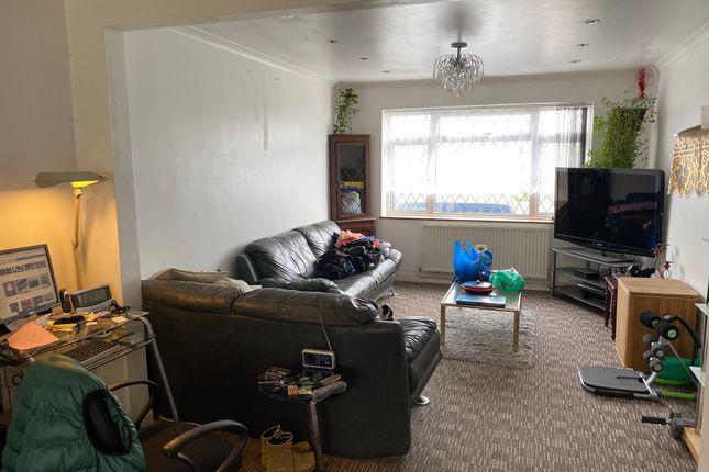 Lounge of Snowdon Crescent, Hayes UB3