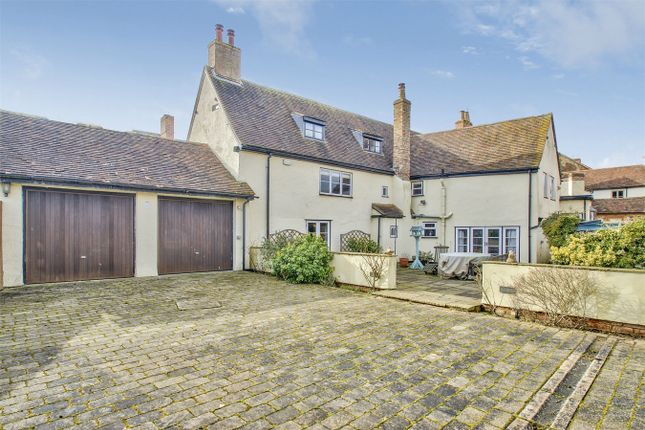 5 bed detached house for sale in East Street, Kimbolton, Huntingdon