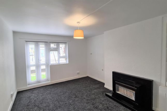 Flat for sale in Clive Road, London