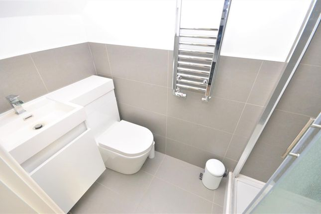 En Suite of Reginald Street, Luton LU2