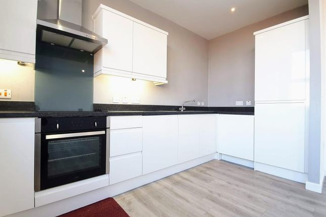 2 bed flat to rent in Century House, Stratford Road, Shirley B90