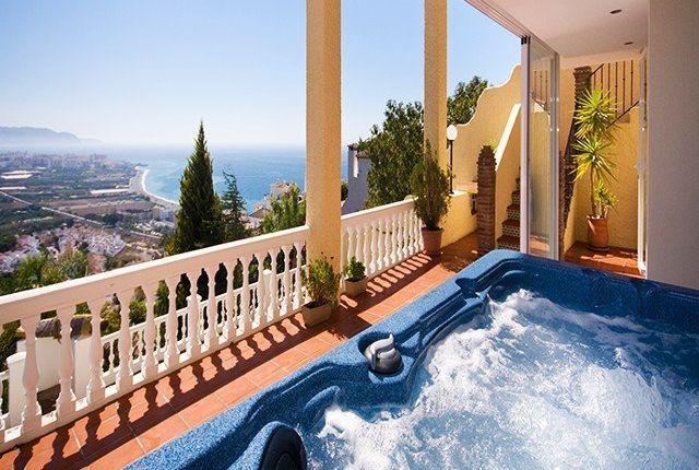 4 bed villa for sale in Nerja, Málaga, Spain