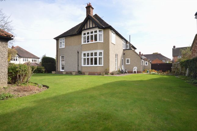 5 bedroom detached house for sale in Southborough Road, Chelmsford