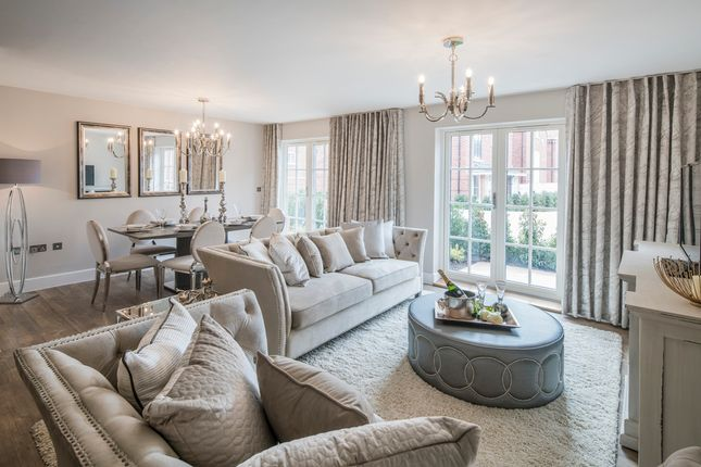 "3 bedroom flat for sale in ""Windsor Court Apartments"" at Portland Gardens, Marlow"