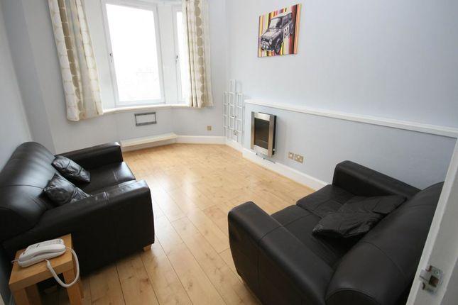 Thumbnail Flat to rent in Renfield Street, Renfrew
