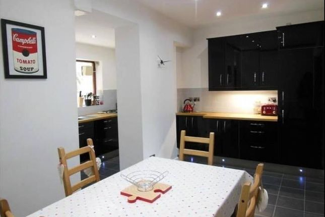 Thumbnail Property to rent in Armitage Road, Armitage Bridge, Huddersfield