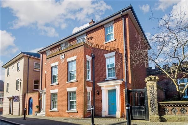 Thumbnail Town house for sale in Bridewell Lane, Bury St. Edmunds