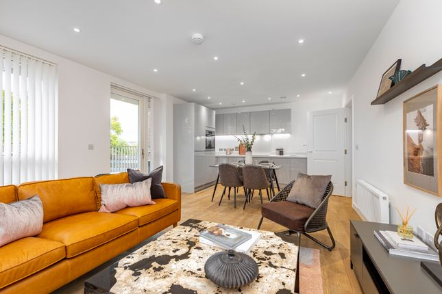 Thumbnail Flat for sale in Artillery Place, London