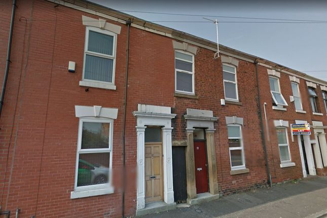 Thumbnail Flat to rent in Stanleyfield Road, Preston