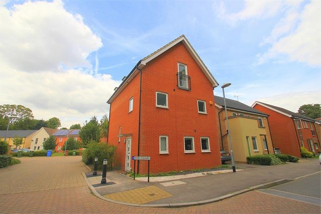 Thumbnail Town house to rent in Avro Square, Bracknell, Berkshire