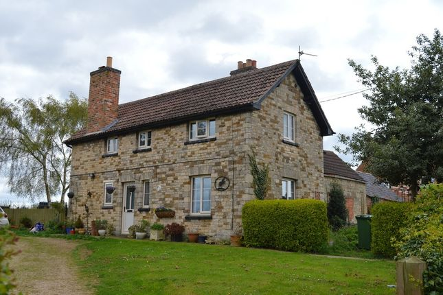 Thumbnail Detached house to rent in Top Road, Croxton Kerrial, Grantham